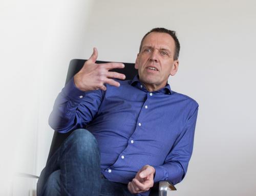 Change Leadership zwischen zwei Stühlen – Ein Gastbeitrag